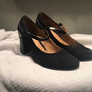 Clark's soft cushion 8.5 black suede heels